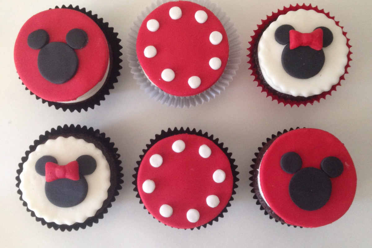 mickey and minnie cupcakes for tarala
