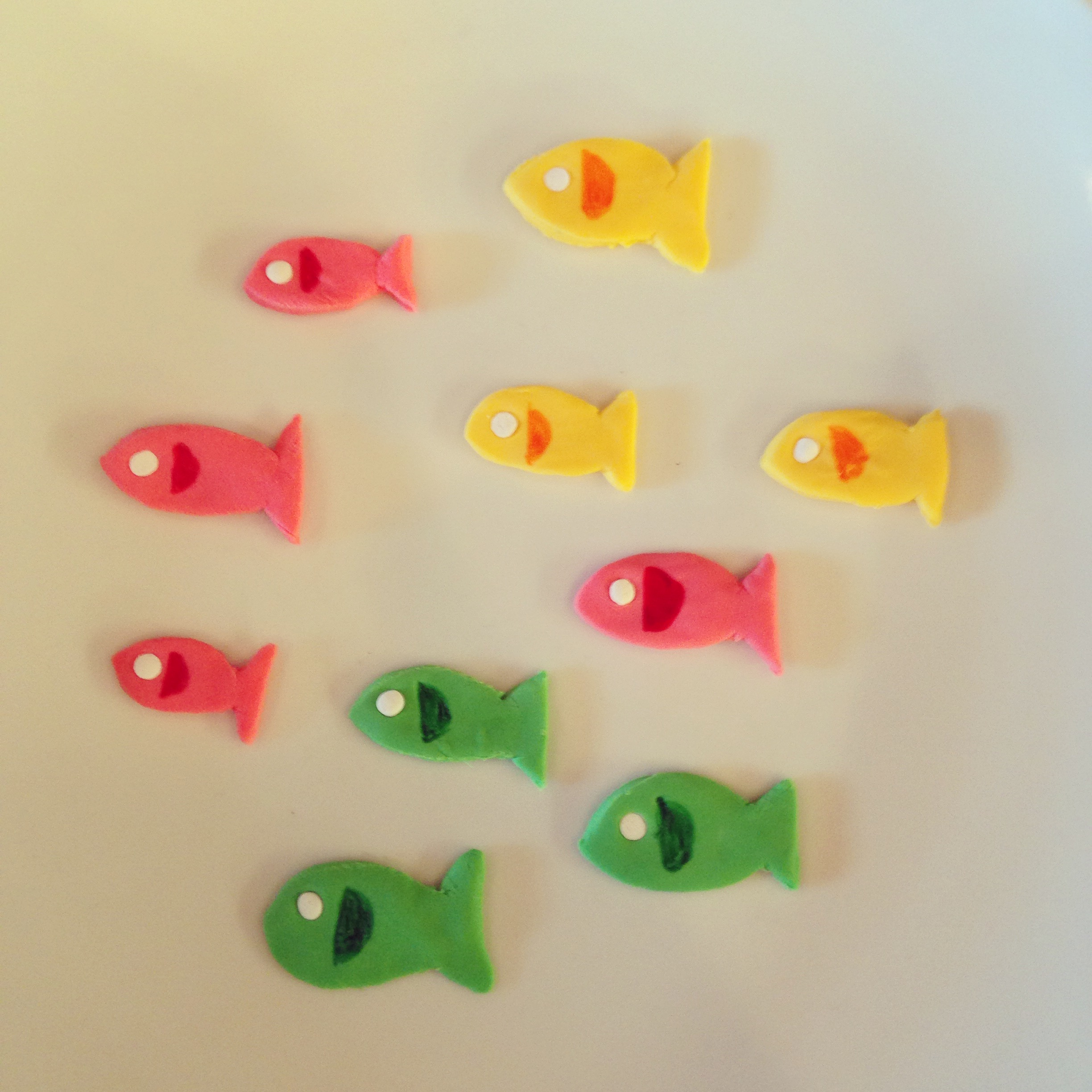 fondant school of fish