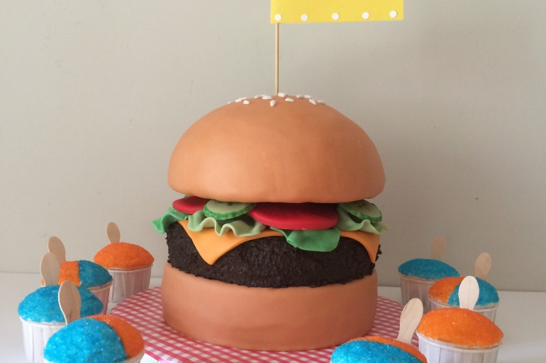 snocone cupcakes and hamburger cake